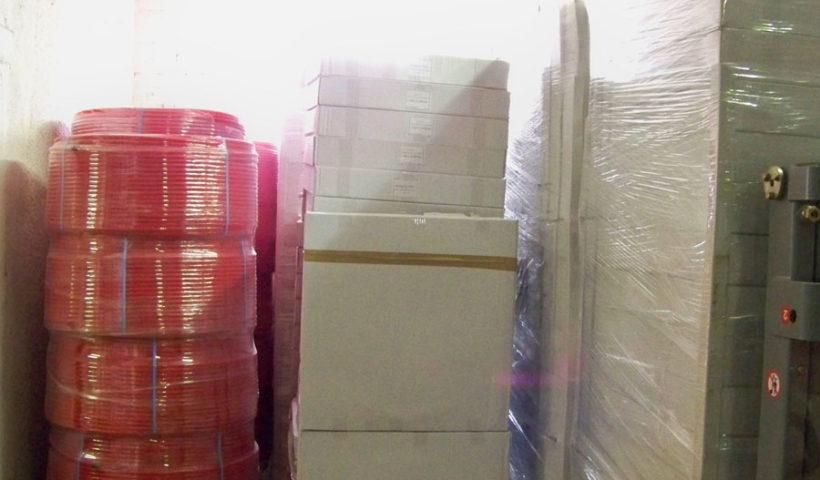 Zone de stockage des tubes hydrauliques au sein des locaux Technolim
